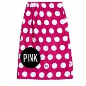VS PINK polka dotted bath towel wrap
